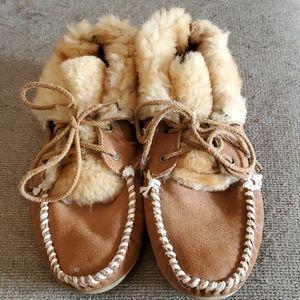 Moccasin slipper